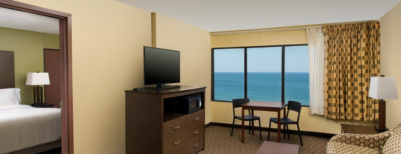 Virginia Beach Accommodations - King Suite